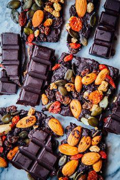 Easy + delicious plant-based recipes that make ya feel good. Best Vegan Recipes, Vegan Dessert Recipes, Raw Food Recipes, Snack Recipes, Free Recipes, Snacks, Dark Chocolate Recipes, Healthy Dark Chocolate, Chocolate Chocolate