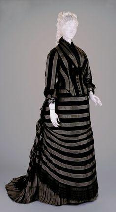 Reception dress ca. 1877, via The Cincinnati Museum of Art