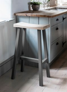 Tall Clockhouse Stool Charcoal from Garden Trading
