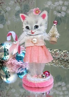 Christmas Kitty ... Catie & Nanette would LOVE THIS ... 2013 gift idea