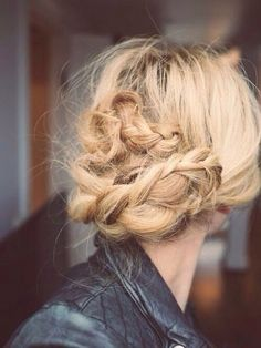 """I love doing all the braids but I love the """"messy"""" looks the most 💜 very cute and still chic and stylish 💜 - Messy braids My Hairstyle, Messy Hairstyles, Pretty Hairstyles, Hairstyle Tutorials, Wedding Hairstyles, Dreadlock Hairstyles, Summer Hairstyles, Hairstyle Ideas, Good Hair Day"""