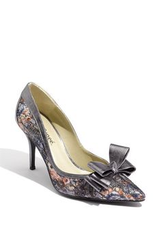744997e46e6a Another possible wedding shoe ... I may get these