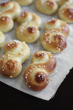 St. Lucia Buns (Swedish Saffron Christmas Bread)