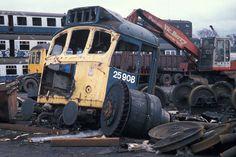 Abandoned Train, Old Trains, British Rail, Train Pictures, Model Train Layouts, Urban Exploration, Train Tracks, Diesel Engine, Model Trains