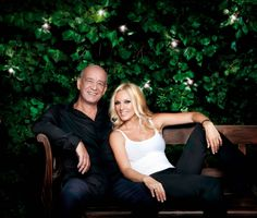 Peggy Zina with Dimitris Mitropanos Greek Music, My Heritage, Music Quotes, Musicals, Greece, Singer, Popular, Couple Photos, Celebrities