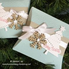 The #pillowbox Thinlits from SU! makes a cute gift card holder!!! #peacefulpines www.bonniestamp.stampinup.net