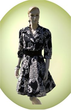 3dc44e9bef6 Vintage Flirty and Gorgeous Black and White Baroque Pattern Dress - 80s 70s  - Rockabilly - Fully Lined!