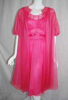 1950s Vanity Fair pink peignoir set