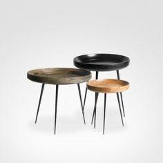Nascida da adaptação de uma bandeja tradicional para uma mesa, bowl table inovou e quebrou todos os paradigmas. Com uma aparência futurista e um conceito multifuncional, esta peça vai modificar a forma de transportar e servir aperitivos.