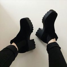 New Travel Fashion Outfits Shoes Ideas Pretty Shoes, Beautiful Shoes, Cute Shoes, Me Too Shoes, Sock Shoes, Shoe Boots, Shoes Heels, Kawaii Shoes, Fashion Shoes