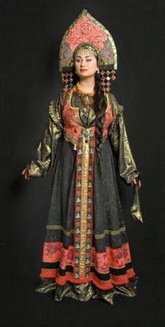 Russian Clothing with Kokoshnik Historical Costume, Historical Clothing, Costume Russe, Mode Russe, Costume Ethnique, Foto Fantasy, Russian Culture, Folk Clothing, Russian Folk