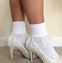 Sock are gorgeous, trendy styles portion that might be excellent for trendy street trend style with mini skirt and shorts when the weather conditions are cool temperature. Fishnet Socks, Sexy Socks, Socks And Heels, Cute Socks, Hot Heels, Ankle Socks, Stockings Outfit, Lady Stockings, Fall Socks