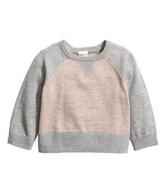 Gray/beige. BABY EXCLUSIVE/CONSCIOUS. Fine-knit sweater in a soft cashmere and cotton blend. Snap fasteners at back, contrasting front and back sections,