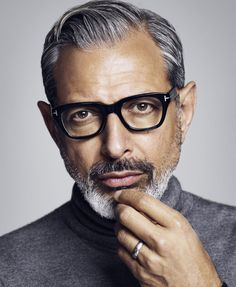 Jeff Goldblum photographed by Michael Schwartz for Icon El País. the beard is really doing it for me. Beautiful Men, Beautiful People, Hair And Beard Styles, Hair Styles, Look Man, Celebrity Portraits, Older Men, Mens Glasses, Tom Ford Glasses