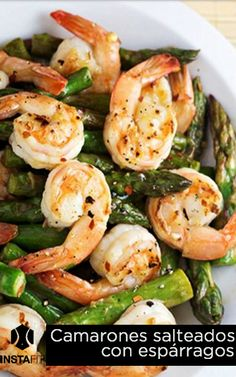 Gambas con trigueros Shrimp Stir Fry, Chinese Food, Seafood Recipes, Asparagus, Entrees, Lemon, Fish, Clean Eating, Deep Fried Shrimp