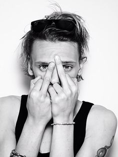 @jamiebower: I'm in @rankinphoto 's new book FURANKIN you should prolly go buy it. It has the last picture of my bare fingers. X