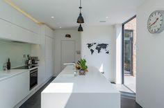 Modern Kitchen by Archic
