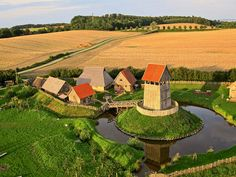 Chateau Medieval, Medieval Castle, Wonderful Places, Beautiful Places, Carolingian, Château Fort, 11th Century, Fortification, Chapelle