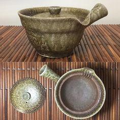 Mayake wood-fired teapot by Shibata Masaaki  #ceramics #ceramic #pottery #teapot #kyusu #kyuusu #teatime #greentea #sencha #tea #japaneseceramics #japanesepottery #wabicha #wabipot #woodfired #柴烧 #柴燒 #tokoname