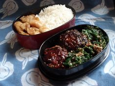 Mini-meat and tofu burgers, spinach with sesame bento