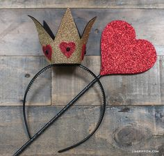 DIY_Felt_Glitter_Crowns_Queen_Hearts                                                                                                                                                                                 More