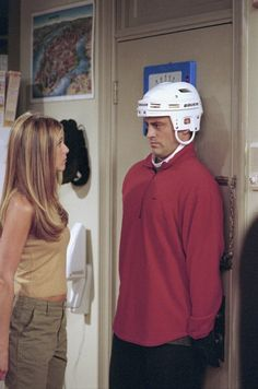 Rachel scares Joey ~ Friends ~ Episode Stills ~ Season 7, Episode 2: The One with Rachel's Book ~ #friendsscenes #friendsseason7