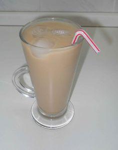 Jednoduchá ledová káva Glass Of Milk, Drinks, Food, Water, Drinking, Beverages, Essen, Drink, Meals