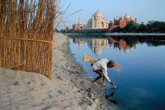 Rio Yamuna,al fondo El Taj Mahal!!