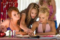 """Emma Stone as Natalie, Kat Dennings as Mona and Anna Faris as Shelley Darlingson in """"The House Bunny"""" 2 Broke Girls, Mean Girls, Playboy, Nick Swardson, Beverly D'angelo, Bridget Marquardt, The House Bunny, Actress Emma Stone, Awkward Girl"""