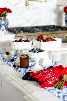 Summer Entertaining - Easy Decor and Ice Cream Sundae Bar for the Fourth of July - simple patriotic decor ideas for the of July Fourth Of July Decor, 4th Of July Decorations, 4th Of July Party, July 4th, American Themed Party, Memorial Day Celebrations, Usa Party, Sundae Bar, Treats