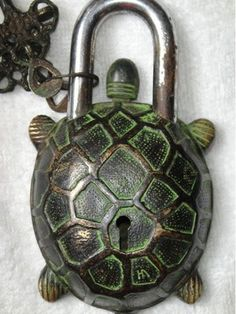Chinese Old Style Big Brass Carved Tortoise Turtle Lock with 2 Keys
