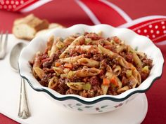 Christmas Pasta by Rachael Ray Christmas Pasta, Christmas Meals, Christmas Holiday, Easy Holiday Recipes, Holiday Foods, Simple Recipes, Quick Recipes, Yummy Recipes, Recipies
