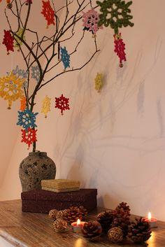 According to Matt...: Creative Christmas: Simple Snowflakes!