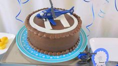 Remote controlled helicopter cake