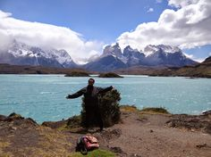 Torres del Paine – locul unde s-a inventat culoarea albastra What Inspires You, All Over The World, Places Ive Been, Chile, Tourism, To Go, Ocean, River, Mountains