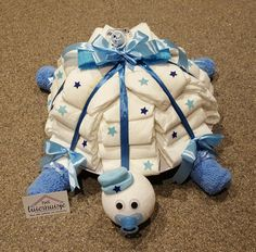 Schildpad luiertaart baby shower baby shower ideas baby shower trends luiertaart schildpad elephant diaper cake grey and white twinkle twinkle little star diapercake Bricolage Baby Shower, Regalo Baby Shower, Baby Shower Crafts, Baby Shower Niño, Baby Shower Diapers, Baby Shower Parties, Baby Shower Decorations, Shower Gifts, Turtle Diaper Cakes