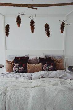 Zapfen | SoLebIch.de Pinecone, Bed, Furniture, Home Decor, Bedroom, Homes, Dekoration, Pineapple, Decoration Home