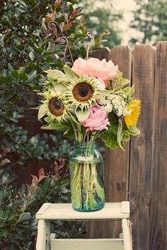 Dream On...this would be beautiful for a Spring or Summer Centerpiece