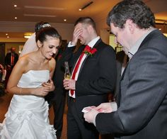 5 Things to be Aware of When Booking a Magician for Your Wedding