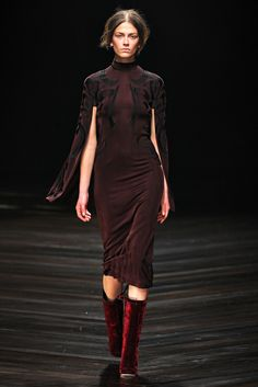 FALL 2013 READY-TO-WEAR  Marios Schwab