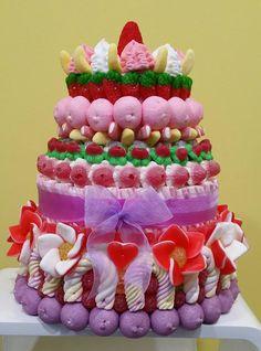 Duldi Santa Eulàlia nos deja su primer encargo de una tarta de #comunión (40x35cm).