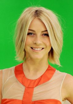 Windblown Bob Hairstyle for Short Straight Hair - Julianne Hough Short Blonde Hairstyles