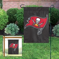 Show off your Tampa Bay Buccaneers team spirit for the whole neighborhood to see with this Tampa Bay Buccaneers Garden Flag & Stand Set