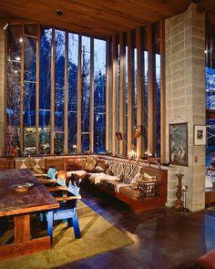 Frank Lloyd Wright's interior! #bloglove #Carinilang
