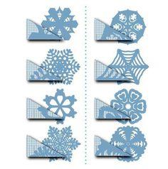 Fun Holiday Craft - Paper Snow Flakes @Karen Lee #craft #holidays