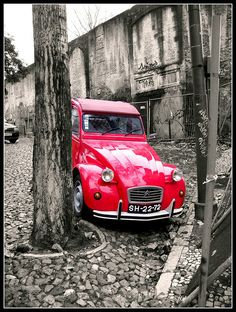 2CV escondido - such a nice shape.
