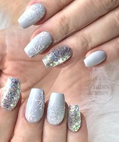 Top 10 Light Color Christmas Snowflake Coffin Nails in 2019 Nail art Hübscher Winter nails Art Design Inspirations 01 – – Winter Manicure Trendy Winter Nail Art Design, Trends&Photo Ideas of Winter Nail Design Xmas Nails, Holiday Nails, Christmas Nails Glitter, Christmas Snowflakes, Winter Christmas, Christmas Manicure, Chrostmas Nails, Simple Christmas Nails, Christmas Time
