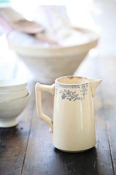 Vintage French Blue Transferware Milk Pitcher I have this exact jug- maybe a little bigger Vintage China, French Vintage, Vintage Teacups, French Blue, Vintage Tableware, Antique China, White Dishes, White Pitchers, Vintage Kitchen