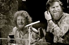 in 1940 – Birth of singer and folk musician, Luke Kelly in Dublin. Kelly was a founding member of the band The Dubliners. Murder Mysteries, Cozy Mysteries, Music Is Life, My Music, Teen Party Games, Irish Singers, Music And Movement, Mystery Novels, Chicago Fire