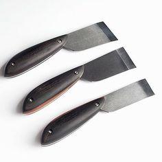 #leathercraft #leathercrafttools #craft #leather #tools #handmade #handmadetools #toolmaker #knife #leatherknife #돌도끼 #doldokki #도구 #가죽공예 #가죽 #재단칼 #핸드메이드
